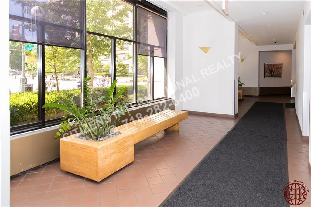 Condo Cathedral Parkway  Manhattan, NY 10026, MLS-CR104-17