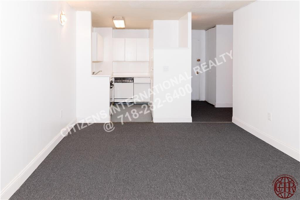 Condo Cathedral Parkway  Manhattan, NY 10026, MLS-CR104-10