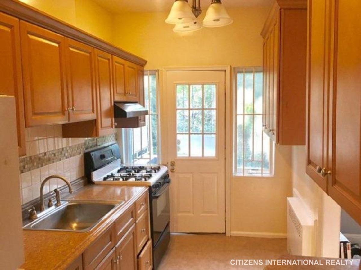 Apartment East 39  Brooklyn, NY 11203, MLS-CR002-9
