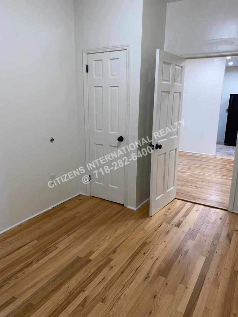 Willmohr   Brooklyn, NY 11212, MLS-CR152-2